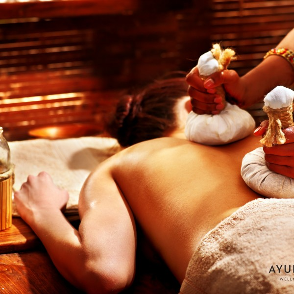 Ayurvedic Kizhi Treatment with authentic pouch and herbs